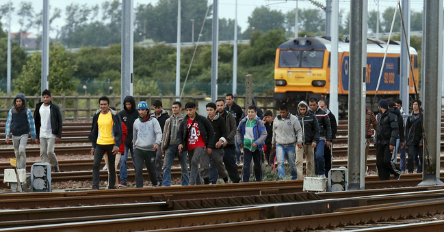 Migrant crisis: EU's Juncker announcing plans for quotas