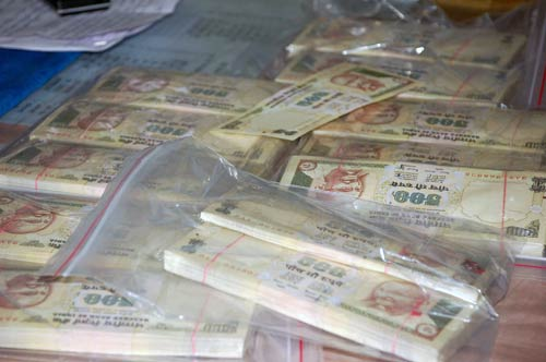 fake money racket : Smugglers switching routes: Cops