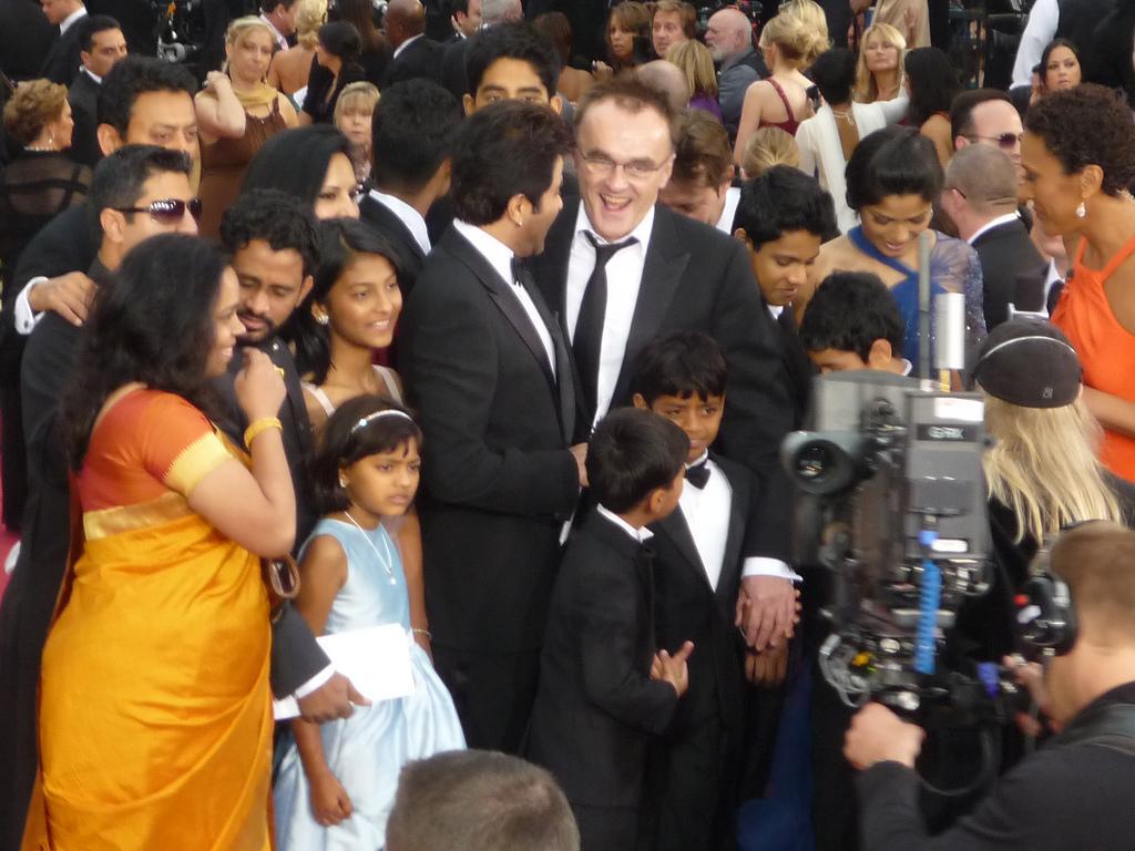 Slumdog Millionaire enters round two of Oscar Bracket Challenge