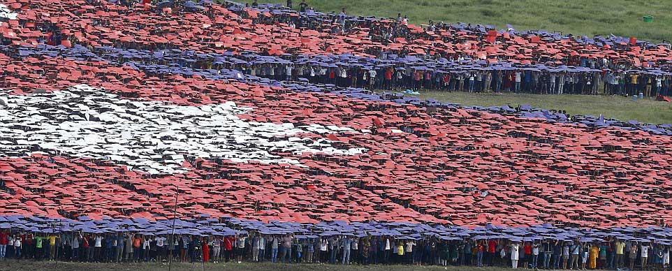 largest-human-flag-Nepal-3