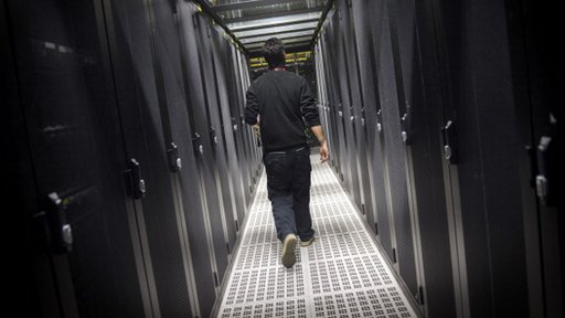 Tech rivals join Microsoft in fight over US data demand